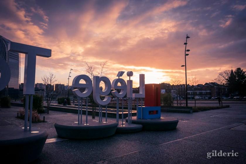 Un matin renversant (à Liège-Guillemins)