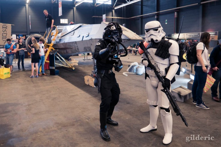 FACTS Spring Edition 2018 : Stormtroopers devant un X-WING