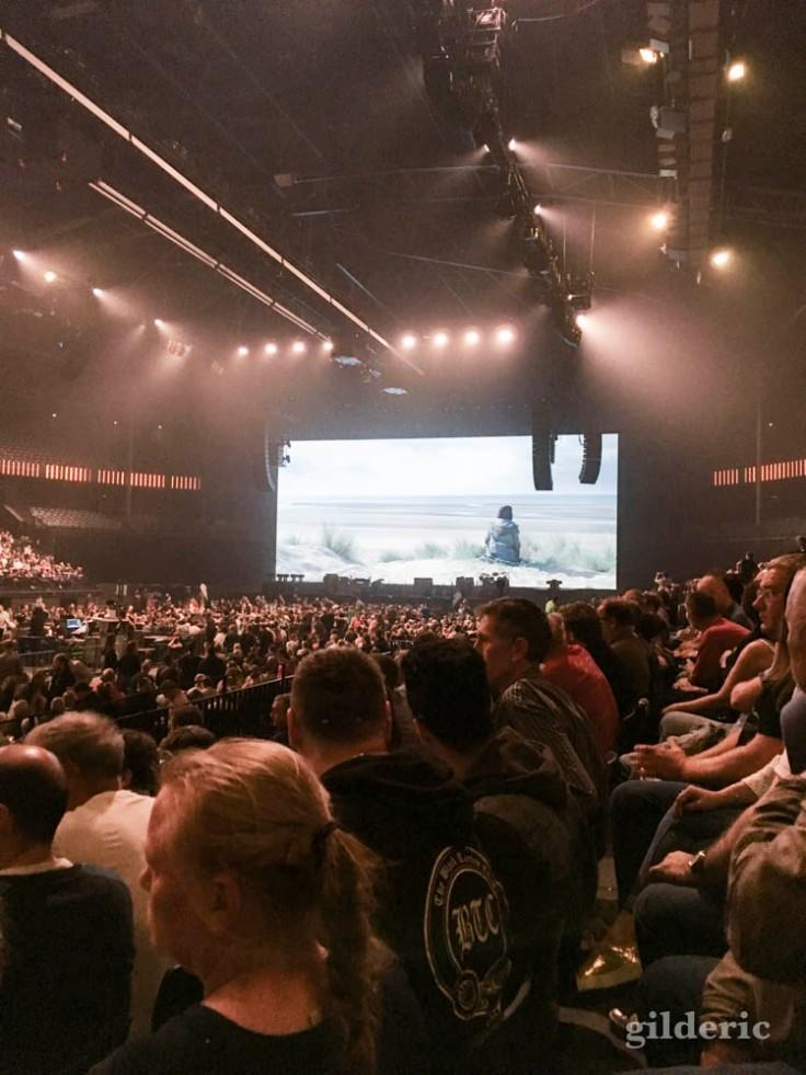 """Roger Waters """"Us + Them Tour"""" live à Anvers : l'écran avant le show"""