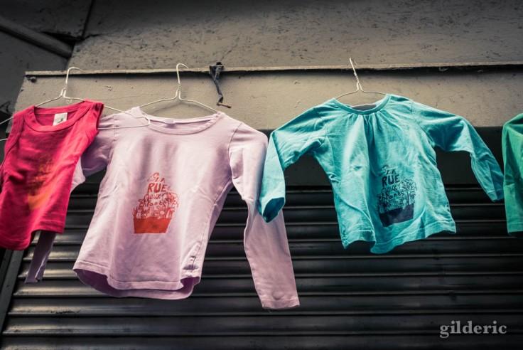 La Rue aux enfants en Neuvice (Liège) : t-shirts