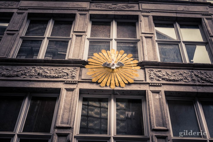 La Rue aux enfants en Neuvice (Liège) : façade de maison