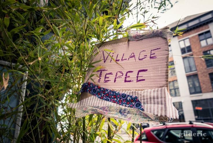 La Rue aux enfants en Neuvice (Liège) : village Tepee