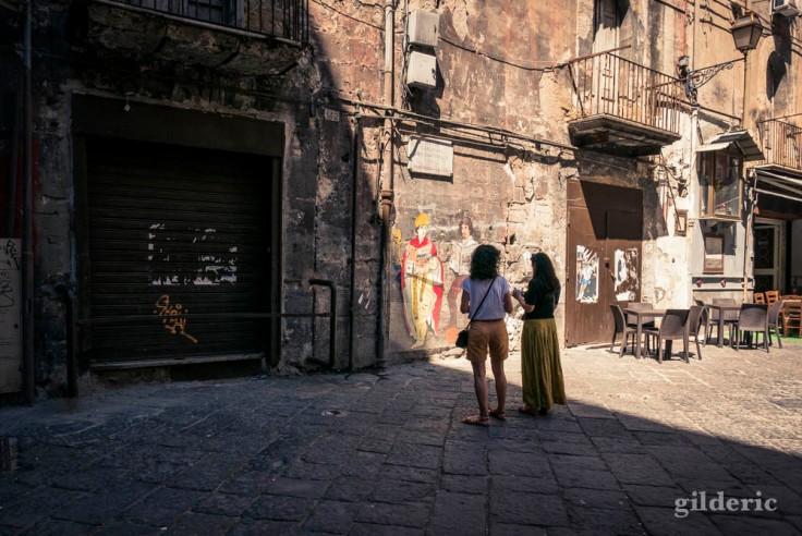 Graffiti dans le centre historique de Naples