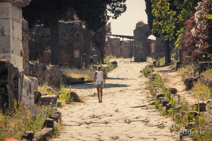 Visite de Pompéi (nécropole de la porte d'Herculanum)