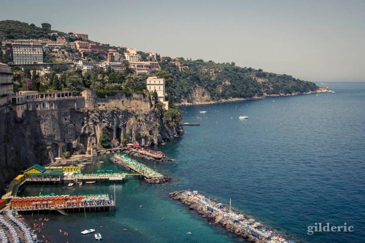Le cap de Sorrente (cache Capri)