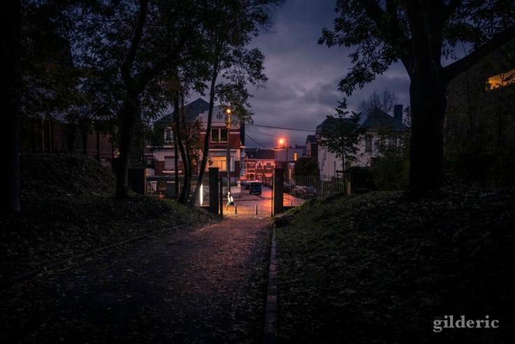 Le soir tombe tôt en automne (Liège, Belgique)