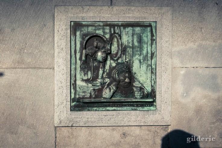 Namur en automne (plaque commémorative Tintin et Haddock)