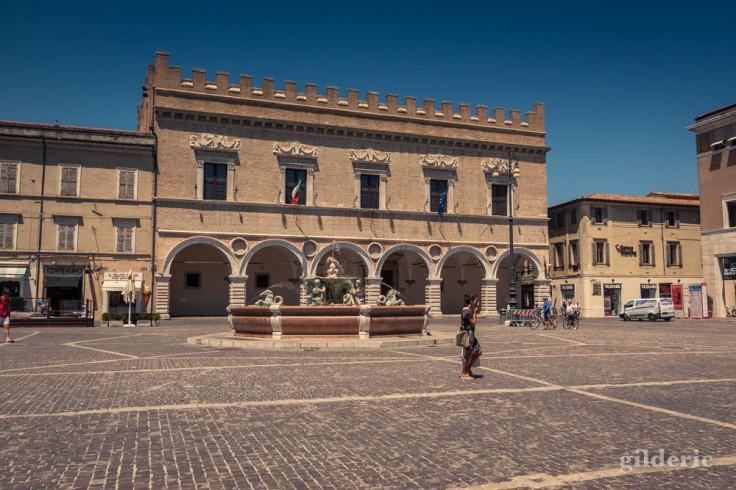 La place de Pesaro