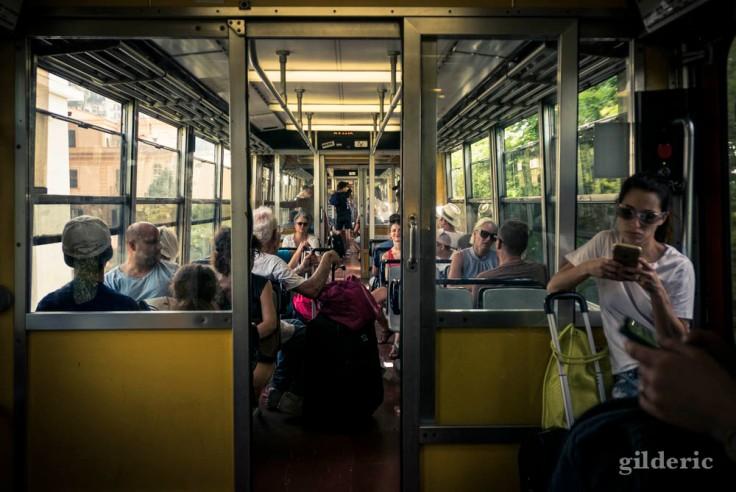 Dans le train entre Sorrente et Naples