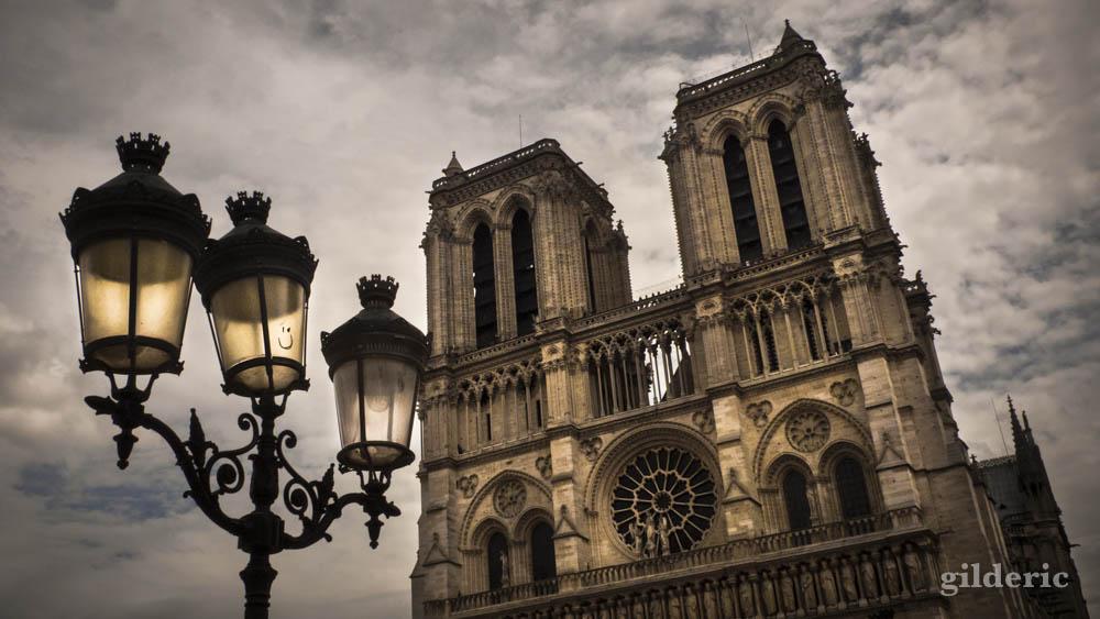 Souvenirs de Notre-Dame de Paris