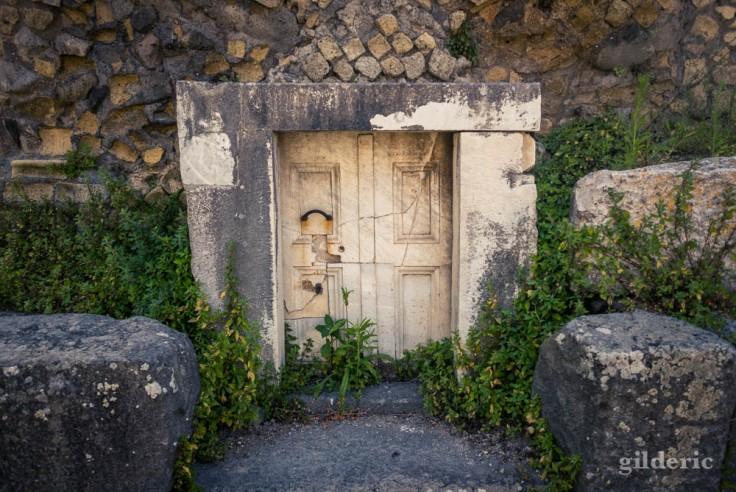 Une des tombes de la nécropole de la Porta Ercolano (à Pompéi)