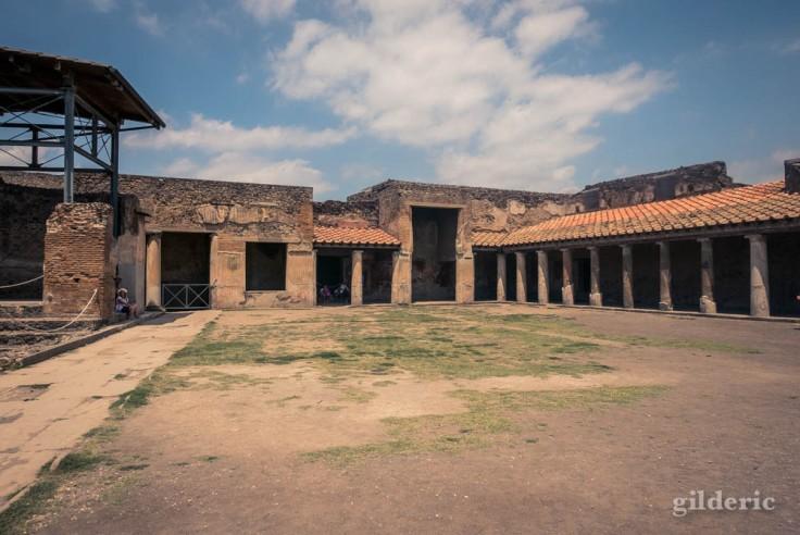 La cour des Thermes Stabiane à Pompéi