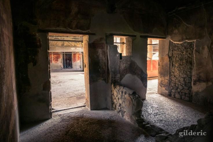 A l'intérieur de la Villa des Mystères (Pompéi)