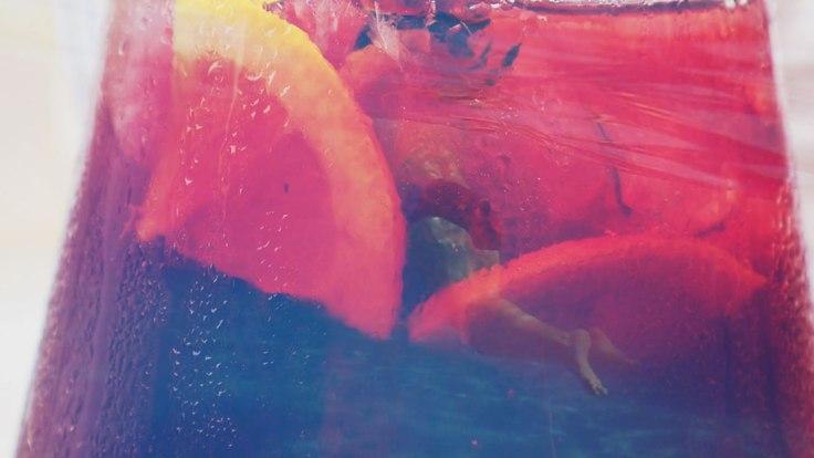 Cocktail ET piscine (capture de la vidéo)