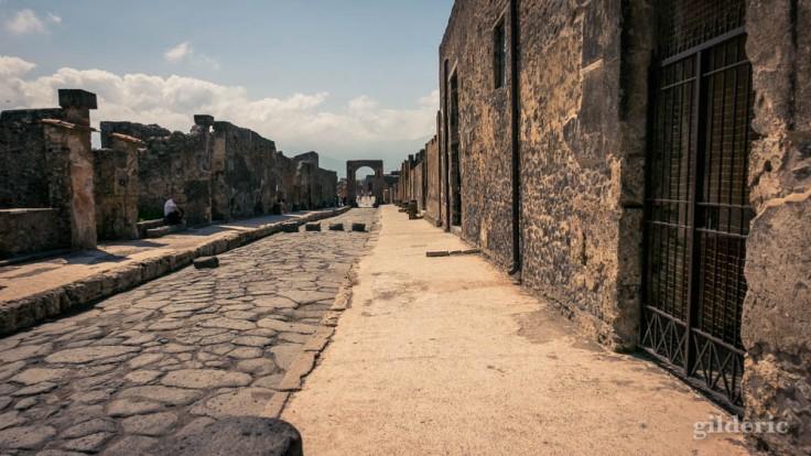 Vers le forum, à Pompéi