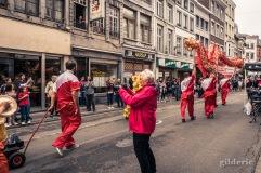 Danse du tigre et dragon chinois au cortège du 15 août