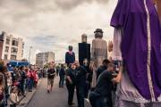 Tchantchès et les autres géants de Liège attendent le début du cortège du 15 août