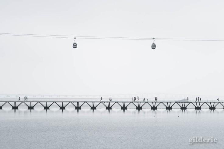 Street photography à Lisbonne : téléphérique minimaliste