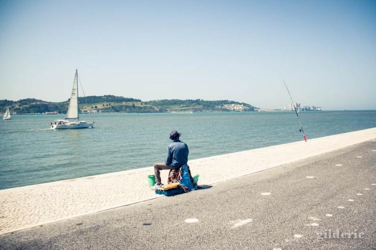 Street photography à Lisbonne : Le pêcheur de Belém