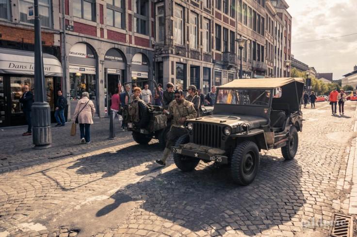 Jeep dans les rues de Liège (75e anniversaire de la libération)