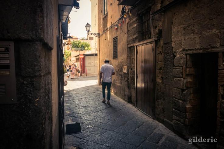 Street photography à Sorrente : solitude