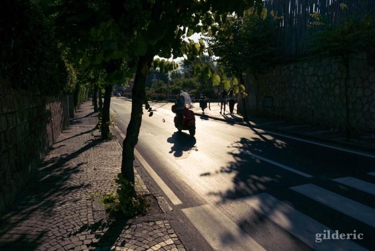 Street photography à Sorrente : vespa