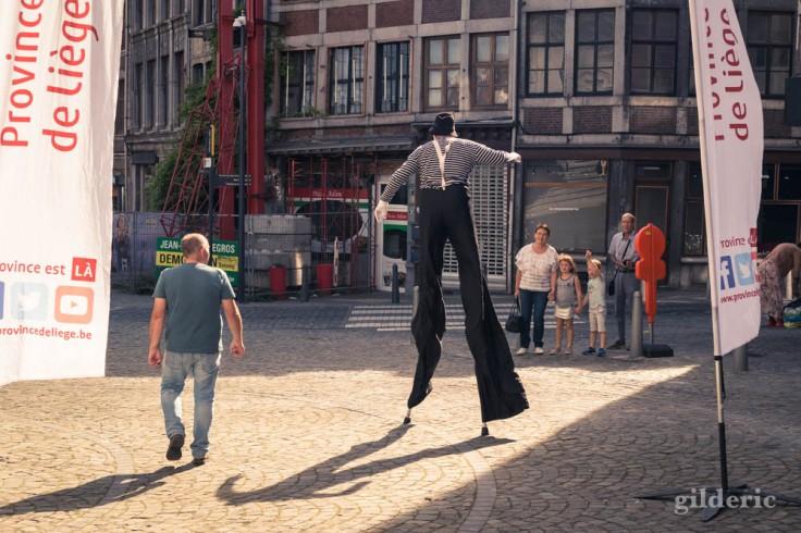 Spectacle de rue pour les fêtes de Wallonie à Liège