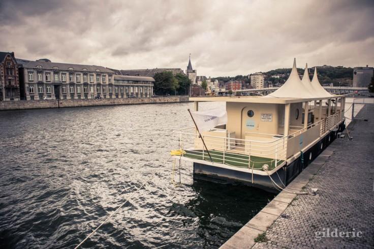 Apéro sur la Meuse en automne à Liège