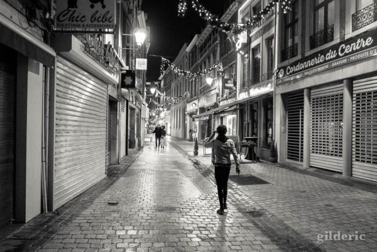 Dark Christmas : street photography en noir et blanc (Liège)