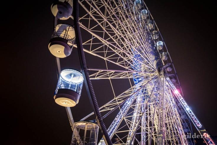 Grande roue sur le Steenplein à Anvers
