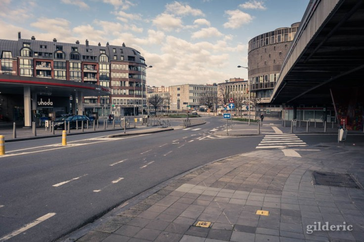 Liège Lockdown : boulevard désert (suite au confinement luttant contre le coronavirus)