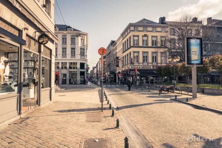 Liège Lockdown : ville déserte sous le soleil (street photography)