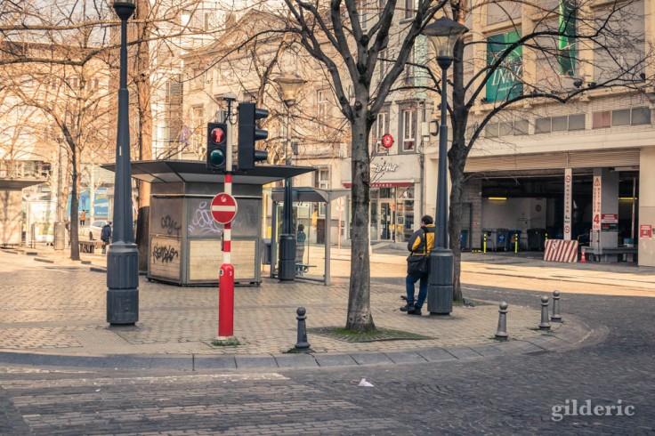 Liège Lockdown : place de la République française (street photography)