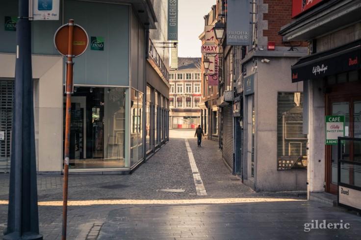Liège Lockdown : seul dans la ville (street photography)