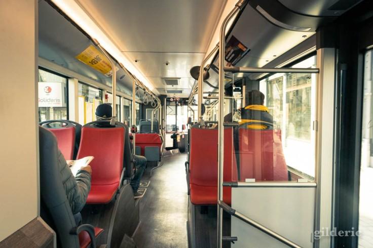 Liège Lockdown : les bus en période de confinement (street photography)