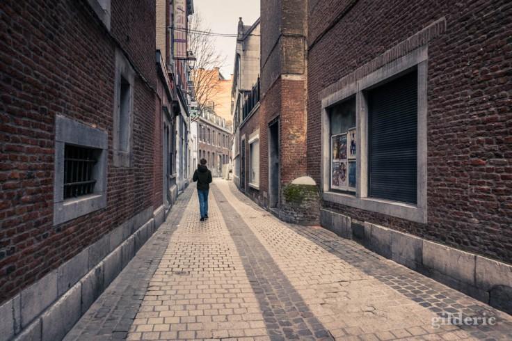 Liège Lockdown : distance de sécurité (suite au confinement luttant contre le coronavirus)