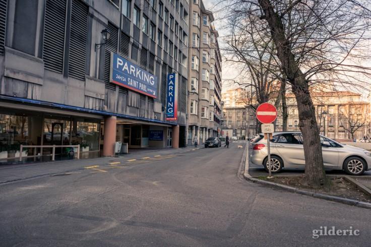 Liège Lockdown : Pas de problème de parking Place Saint-Paul (suite au confinement luttant contre le coronavirus)