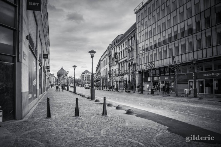 Liège en quarantaine (coronavirus) : vers la place Saint-Lambert (photo en noir et blanc)