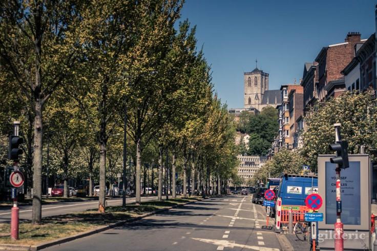 Liège ville fantôme : le boulevard d'Avroy désert et Saint-Martin