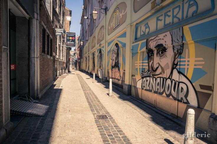 Liège ville fantôme : fresque Charles Aznavour (théâtre le Forum)