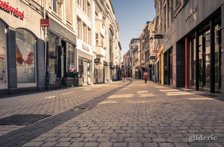 Liège ville fantôme : silhouettes