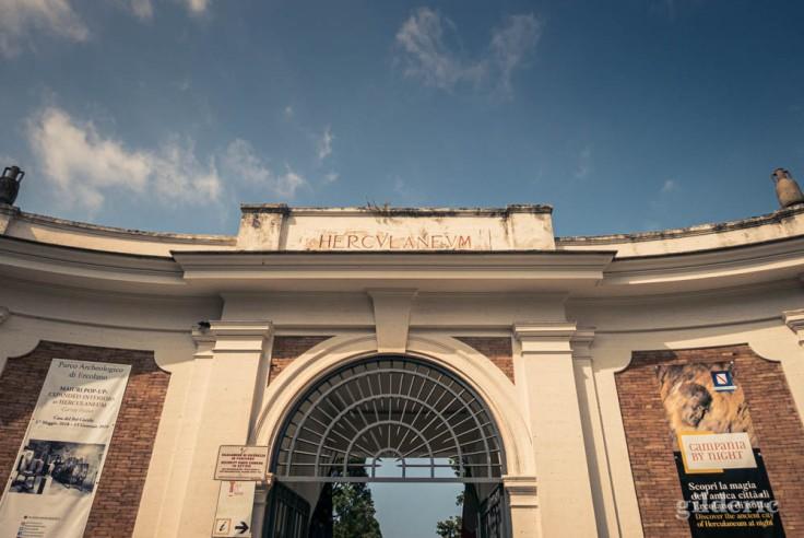 Portail d'entrée du parc archéologique de Herculanum