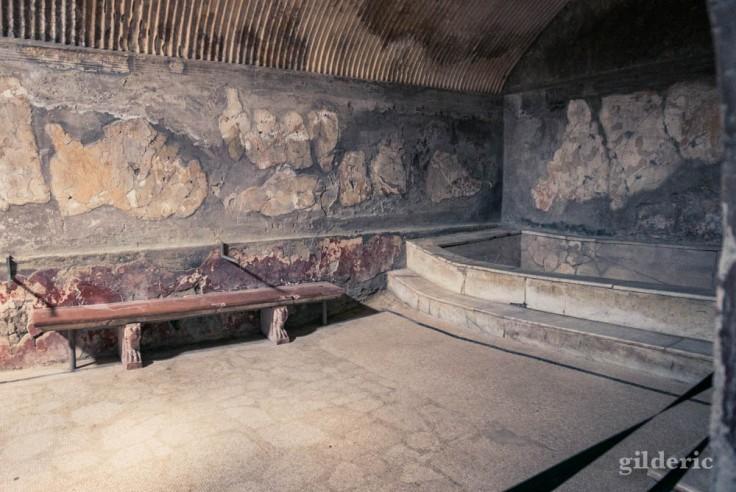 Caldarium dans les Thermes des femmes à Herculanum