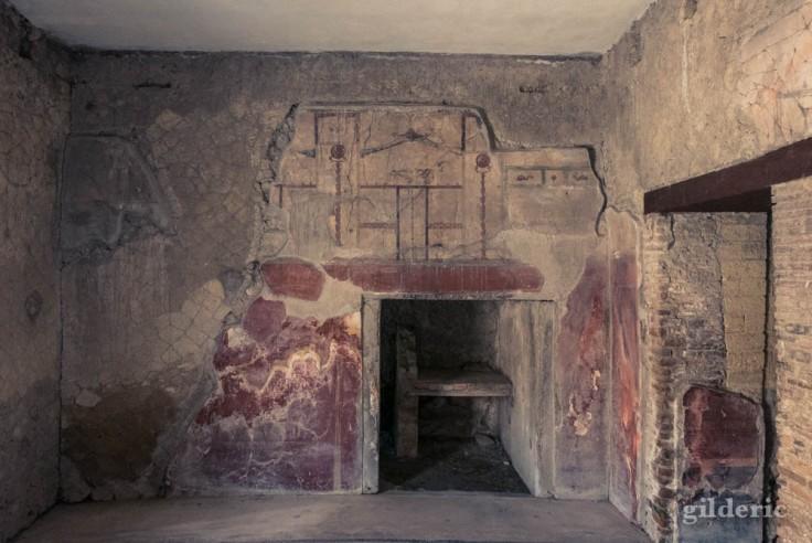 Mur décoré de fresques (casa del Bel Cortile, Herculanum)