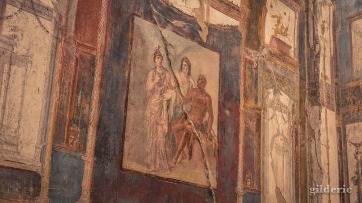 Hercule, Minerve et Junon (fresque du Sacellum des Augustales à Herculanum)