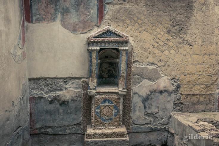 Nymphée de la Casa dello Scheletro (Herculanum)