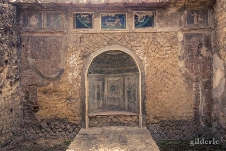 Nymphée et décorations murales (casa dello Scheletro)