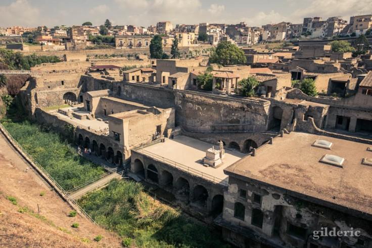 Vue panoramique des vestiges d'Herculanum