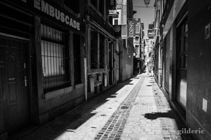 Le Carré de Liège désert sous le soleil
