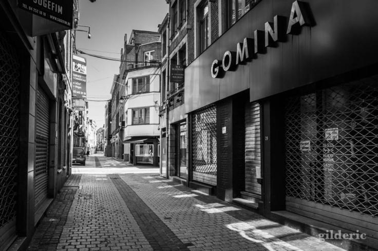 Gomina dans le Carré (Liège) : chroniques du confinement en noir et blanc